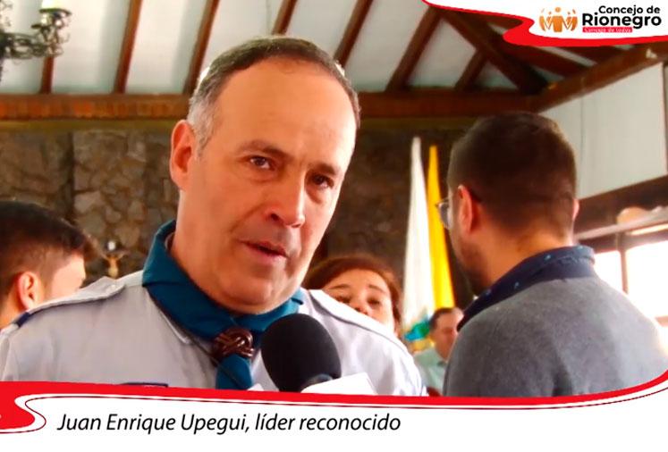 Reconocimiento a Juan Enrique Upegui por ser un líder inquebrantable