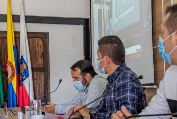 Javier Valencia, subdirector de Servicio al Cliente de Cornare